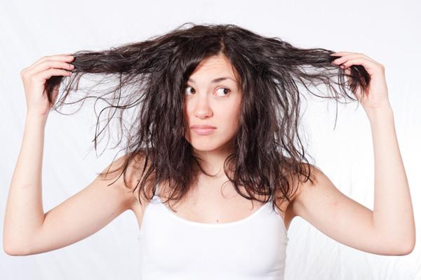 que faire quand on a les cheveux gras ?