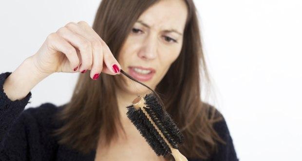 Perte de cheveux : cause, origine et traitements possibles